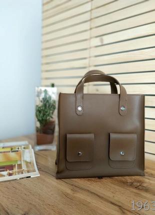 Очень стильная сумочка коричневого цвета