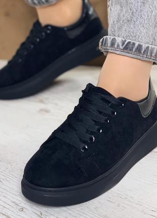 Кроссовки женские черные, эко-замша, маломерят на размер, плат...