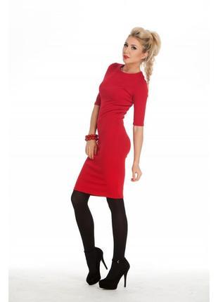 Маленькое красное платье облегающее кокон футляр для стройняшк...