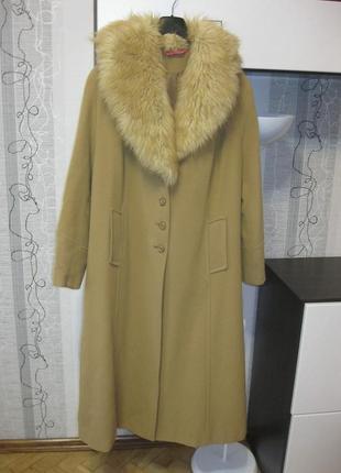 Актуальное шерстяное пальто цвет camel шерсть мех 22,4-5хл,54-56