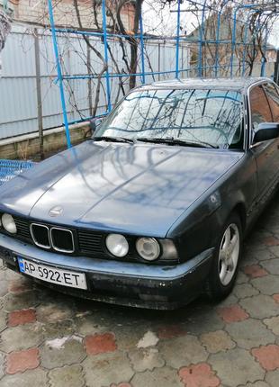 Продам BMW 525i e34