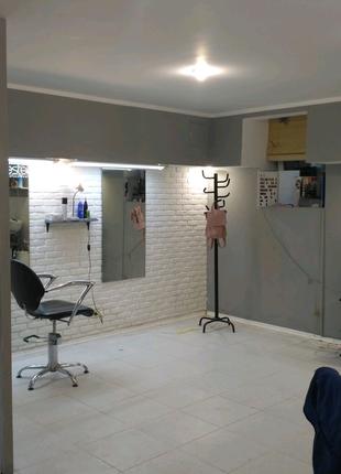 В Салоне сдаются в Аренду рабочие места Парикмахерам косметологам