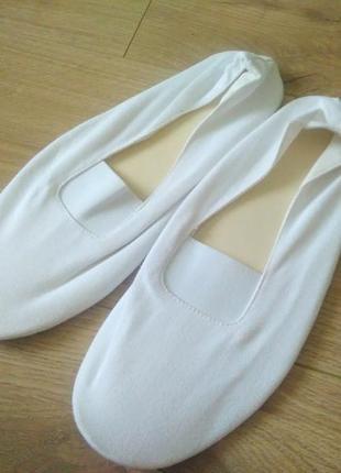 Білі чешки 42 розміру/ чешки