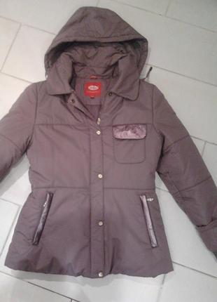 Зимова куртка 42 розмір