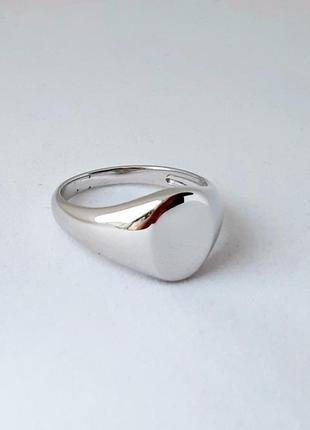 Нежное женское серебряное кольцо размер 18.5