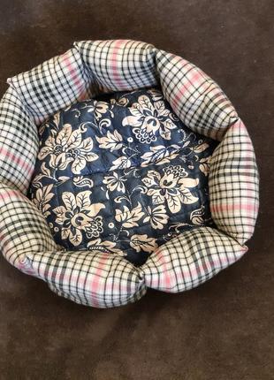 Лежанка лежак ліжко ліжечко для кошек и собак размер 35×35см