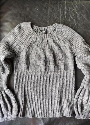 Теплый свитер с рукавами-фонариками