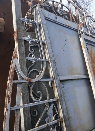 Кованні ворота з фірткою