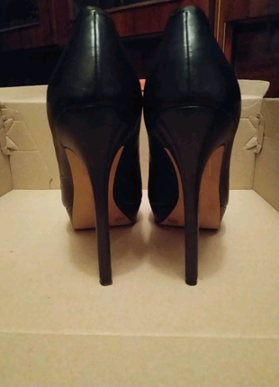Туфли женские кожаные 36 Vince Camuto
