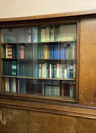 Ретро Книжный шкаф