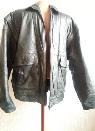 Кожаная куртка -жилет. охотничья   /фирма пилот / 52 ххl