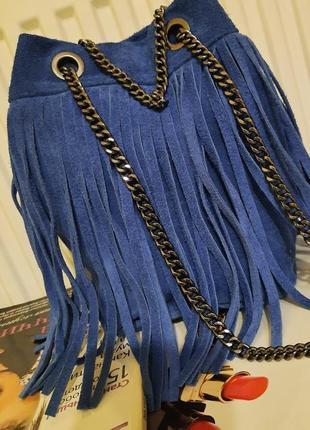 Стильная синяя замшевая сумка. италия