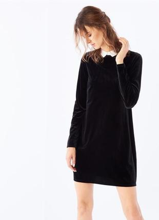 Черное бархатное платье с воротником mohito плаття
