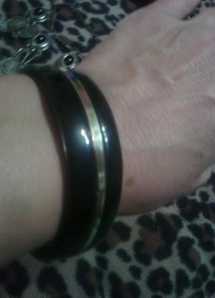 Черный с золотом браслет