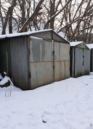 Продам хороший гараж в центре города. Киев, пер. Кияновский, 19.