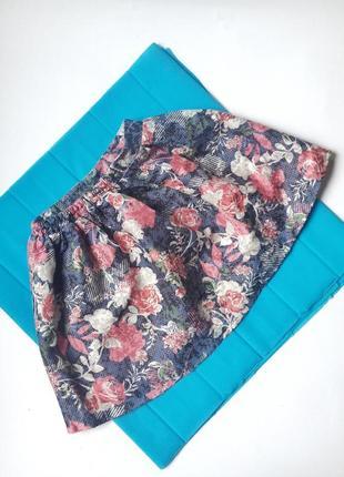 Стильная юбка с розами