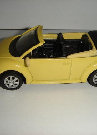 Продам машинку металлическую Volkswagen V.W. Beetle. Жук. 1:43