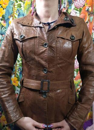 Женская кожаная куртка! Размер S,M. Стильная  в хорошем состоянии