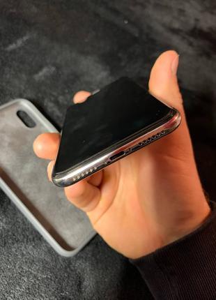 Продам IPhone X silver 64