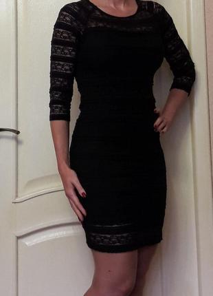 Черное кружевное платье s