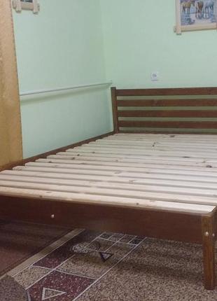 Ліжко дерев'яне. без викрутасів, одне бильце. колір горіх