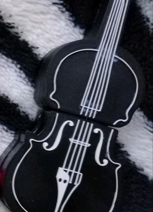 """Флешка 16Гб """"скрипка"""""""