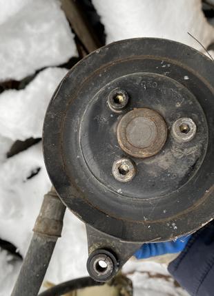 Насос гідравлічний ауді 80 1.6 бензин 1996р