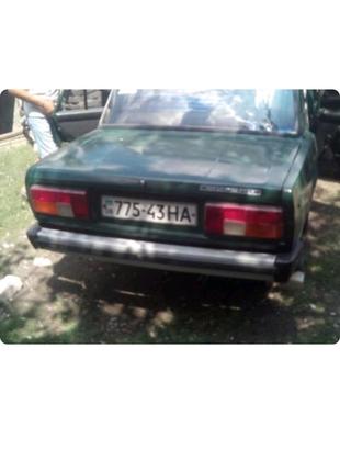 Машина ВАЗ 2105