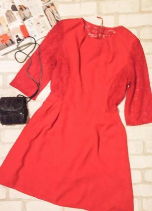 Шикарное платье со вставками кружева