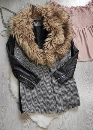 Черное серое короткое пальто деми с кожаными рукавами воротник...