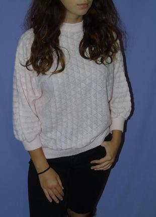 Нежно-розовый свитер