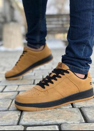 Мужские кроссовки форс коричневые