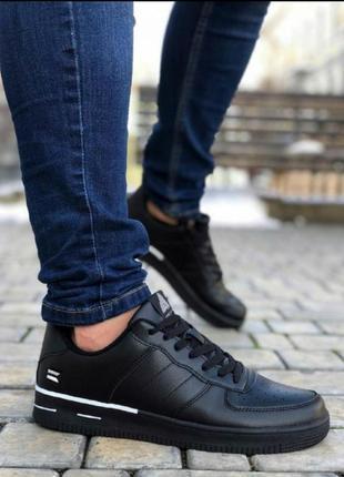 Мужские кроссовки форс черные