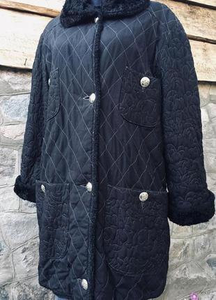 Стеганая удлиненная куртка пальто большого размера