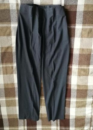 Роскошные брюки hugo boss, 96% тонкая шерсть, 4% эластан
