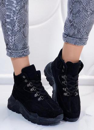Стильные чёрные замшевые кроссовки,чёрные высокие демисезонные...