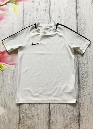 Крутая футболка для спорта nike 8-10лет