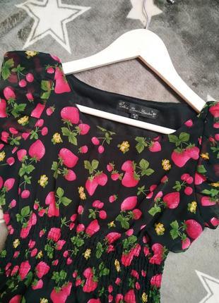 Милое летнее платье с малинками и вишенками