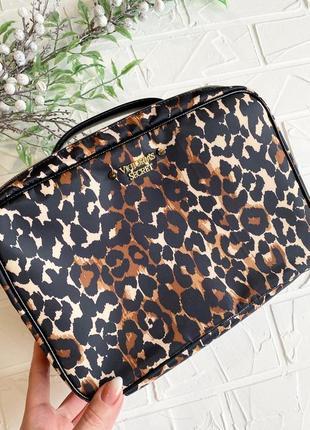 Большая косметичка victoria's secret оригинал леопардовый кейс...
