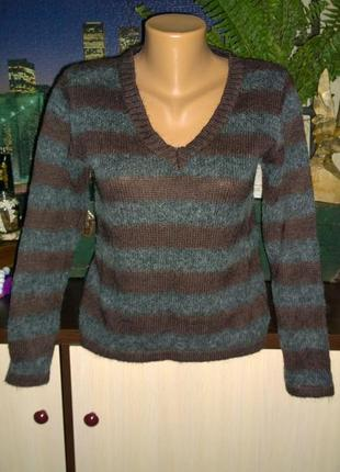 Пуловер джемпер с v-образным вырезом с ангорой