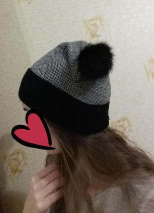 Шапка женская, шапка зимняя с бубонами