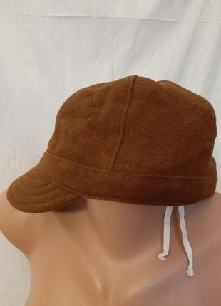 Бейсболка теплая кепка шерстяная коричневая шапка