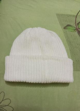 Женская шапка с отворотом вязаная двойная шапочка. новая белая...