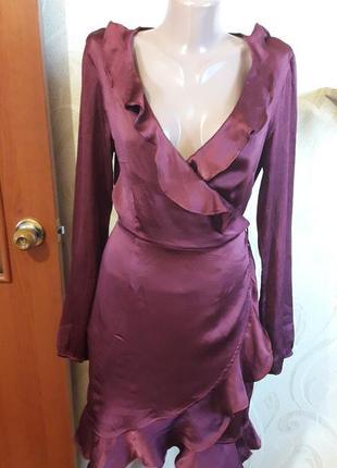 Красивое платье на запах с воланами