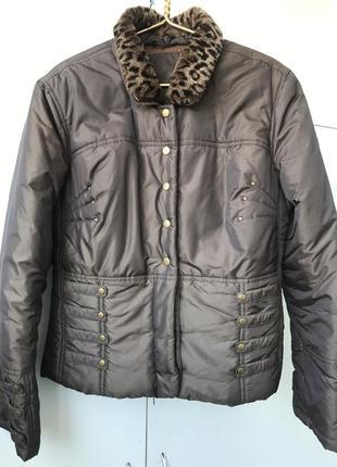 Стильная куртка derhy