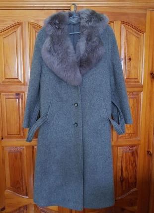 Пальто женское винтажное из шерсти ламы