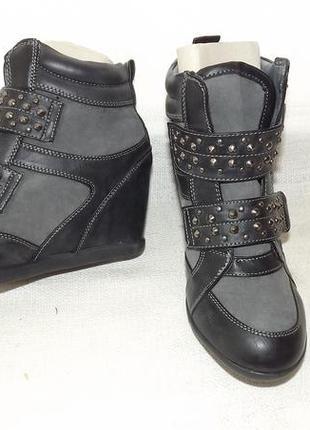 Сникерсы ботинки ботильоны studio 22,5 см