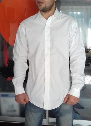 Идеальная белая мужская рубашка