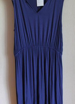 Платье отлично тянеться до 54 размера