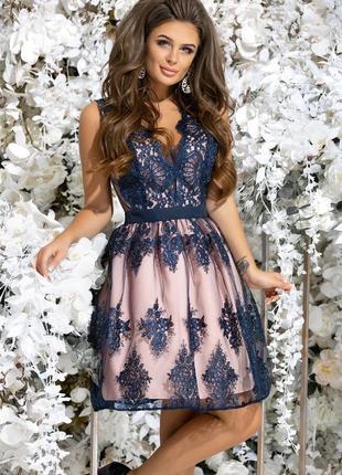 Шикарное вечернее платье с гипюром